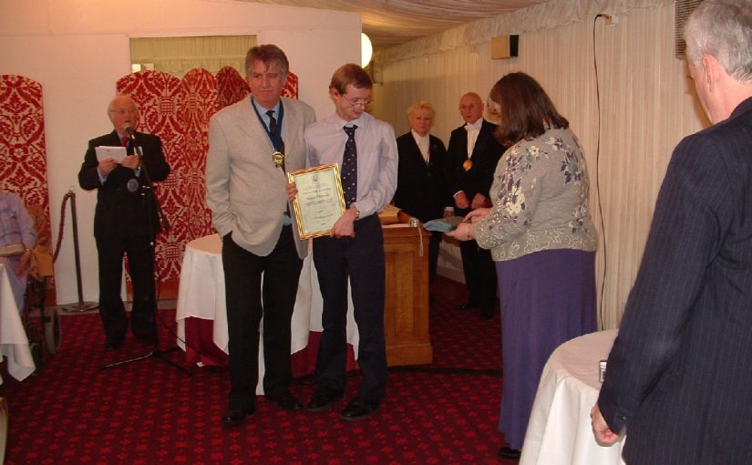 Simon presented with the Paul Hope Award 2005